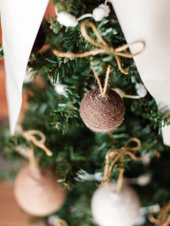 Simple yarn ball ornaments