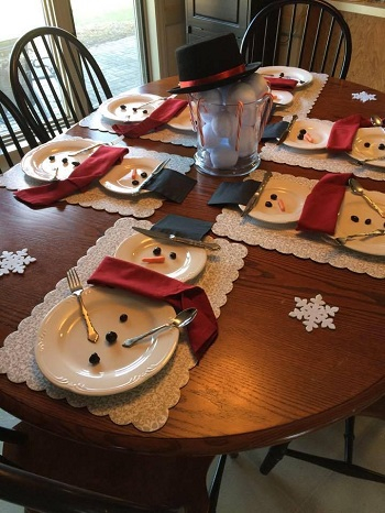 Snowman table settings DIY Special Type of Christmas Table Decoration To Welcome Your Guests