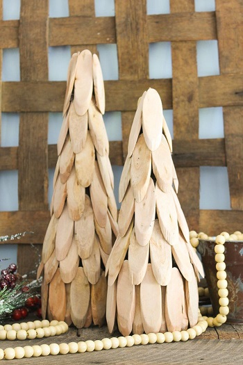 Wooden christmas trees DIY Charming Rustic Christmas Wood Projects For Your Amazing Home