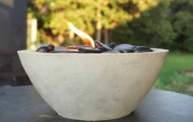 Concrete fire bowl DIY Simple And Warm DIY Mini Tabletop Fire Pit That Perfect For Small Spaces