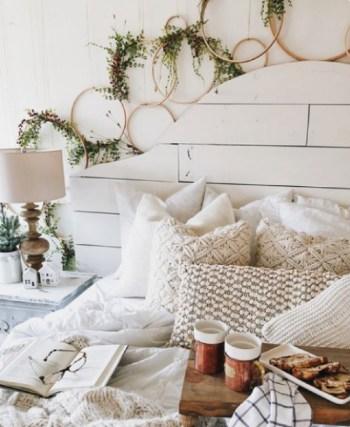 Natural bedroom decor