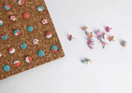 Diy colorful thumbtacks
