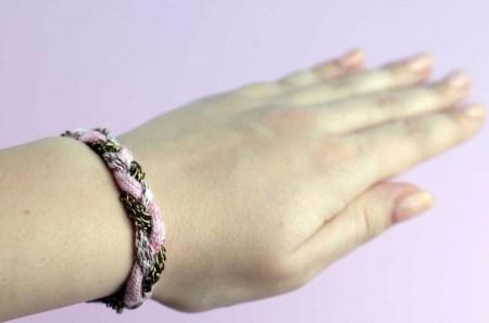 Diy yarn and chain bracelet