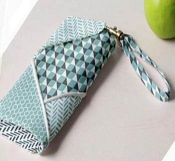 Slanted wrap wallet Super Girls DIY Ideas To Create Unbelievable Chic Wallets