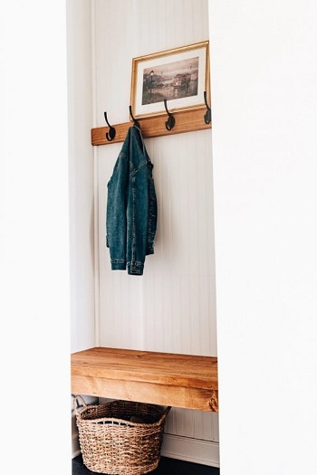 Diy mudroom bench with beadboard and hooks DIY Inevitable Mudroom Ideas To Have An Instant Spare Room