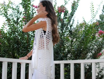 Diy makeover t-shirt with crochet