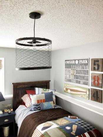 Industrial boy room with wire lamp
