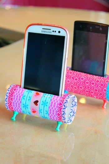 Interesting diy phone holder