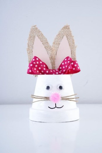Cute upcycled flower pot easter bunny