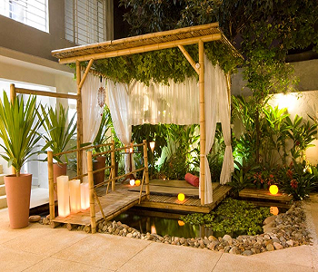 Potted plants pergola DIY Ideas To Decorate Your Pergola For Refreshing Look