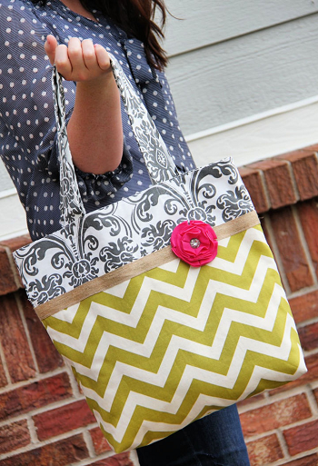 Two-tone fabric diaper tote y DIY Diaper Bag Pattern Ideas To Create As Caring Parents