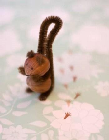 Diy pretty acorn squirrel