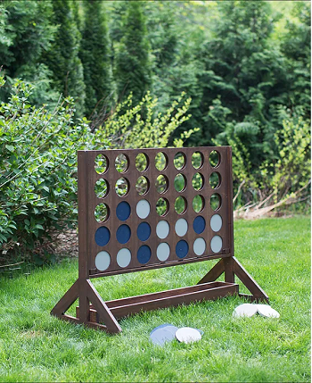 Four-in-a-row DIY Oversized Yard Games To Enjoy The Spare Time