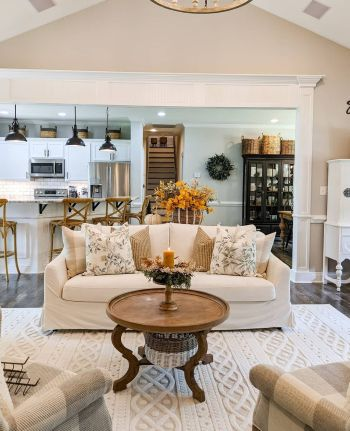 Gorgeous home decor with mustard touches to feel warm during this fall 2