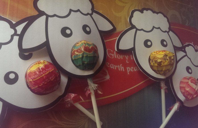 Christmas Sheep Craft with Chupa Chups