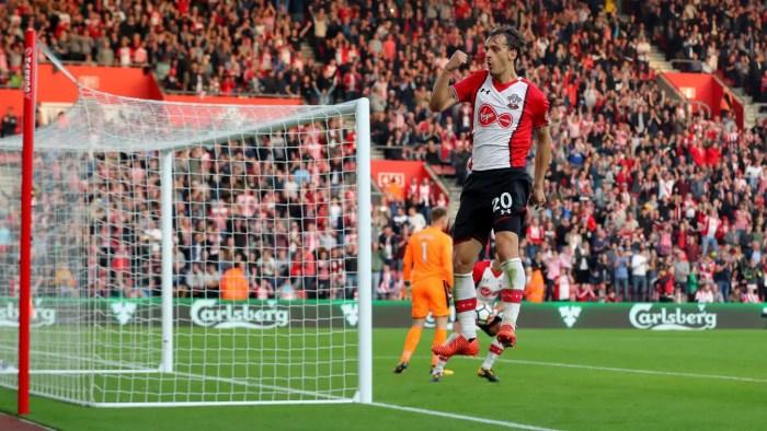 Manolo Gabbiadini célébrant son pénalty contre Newcastle