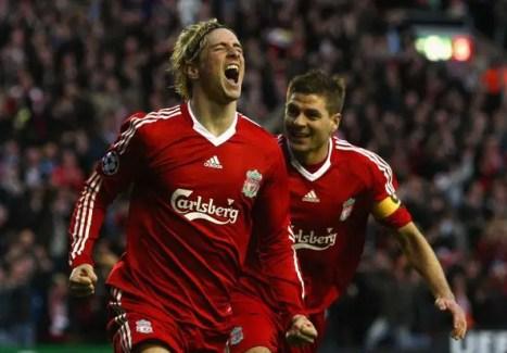 Gerrard et Torres célébrant après le but. (Source : BBC)