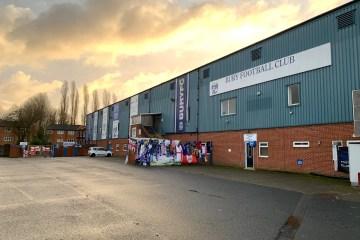 Gigg Lane n'a pas accueilli un match de football depuis un an