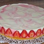 60647-960x720-erdbeer-sekt-torte
