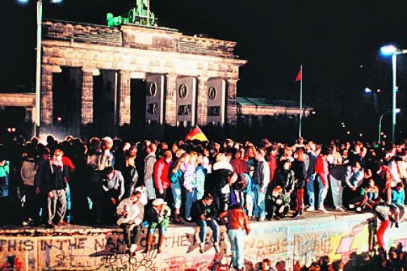 Mauerfall, DW-Bayern-Frankfurt-Main-Archiv