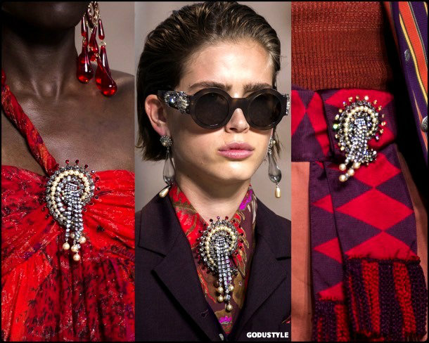 brooches, jewels, spring 2018, trends, joyas, tendencias, details, broches, verano 2018, looks, style