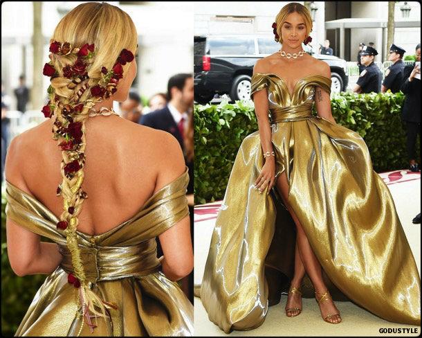 jasmine-sanders-gala-met-2018-fashion-look-style-details-godustyle