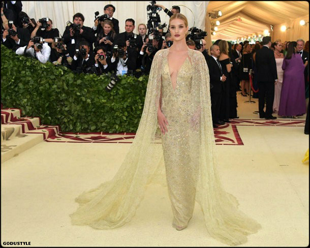 rosie huntington whiteley, met 2018, gala, fashion, celebrity, look, style, details, celebrities, outfits, red carpet