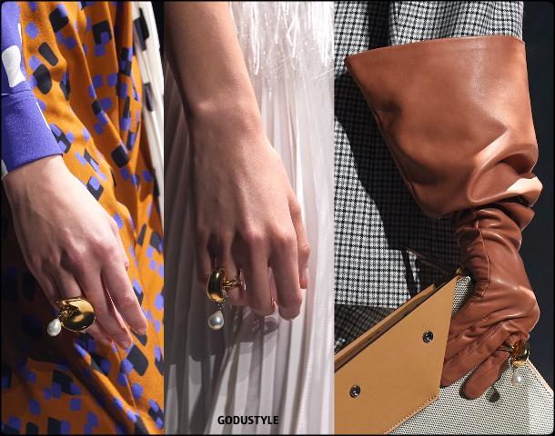 givenchy, fall, winter, 2020, 2021, womenswear, pfw, collection, review, accessories, beauty, shoes, bag, jewelry, fashion weeks, luxury, design, inspiration, moda, otoño, invierno, belleza, joyas, accesorios, zapatos, bolsos