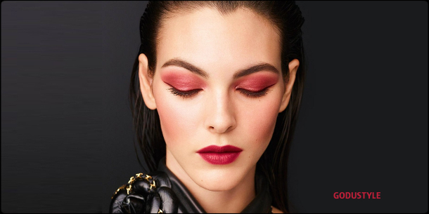 chanel-candeur-et-experience-makeup-fall-winter-2020-2021-beauty-look-style-details2-moda-maquillaje-godustyle