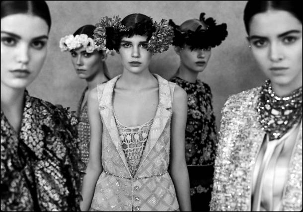 chanel-haute-couture-spring-summer-2021-beauty-look3-style-details-alta-costura-copyright-anton-corbijn-godustyle