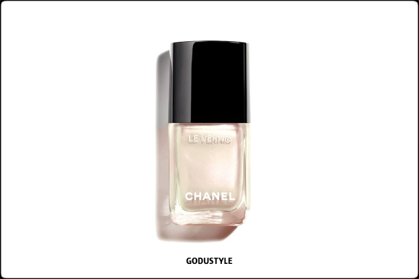 chanel-perles-et-eclats-summer-2021-le-blanc-makeup-look-style14-details-shopping-maquillaje-verano-godustyle