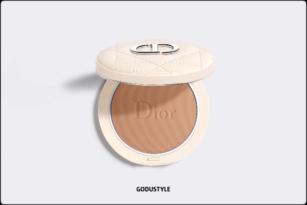dior-summer-dune-2021-fashion-makeup-collection-beauty-look-style-details-shopping14-maquillaje-belleza-moda-verano-godustyle