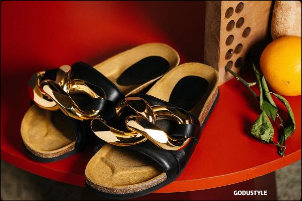 fashion-pool-slides-sandal-shoes-spring-summer-2021-trend-look3-style-details-moda-sandalias-godustyle