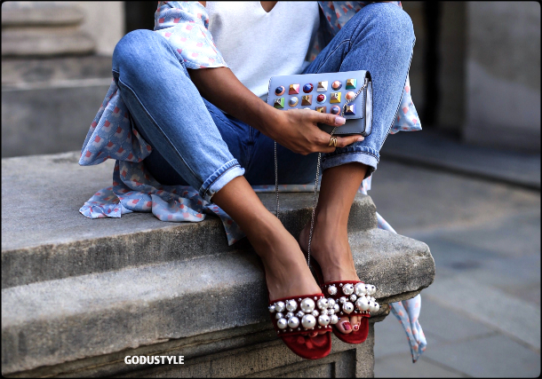 fashion-pool-slides-sandal-shoes-spring-summer-2021-trend-look8-street-style-moda-sandalias-godustyle