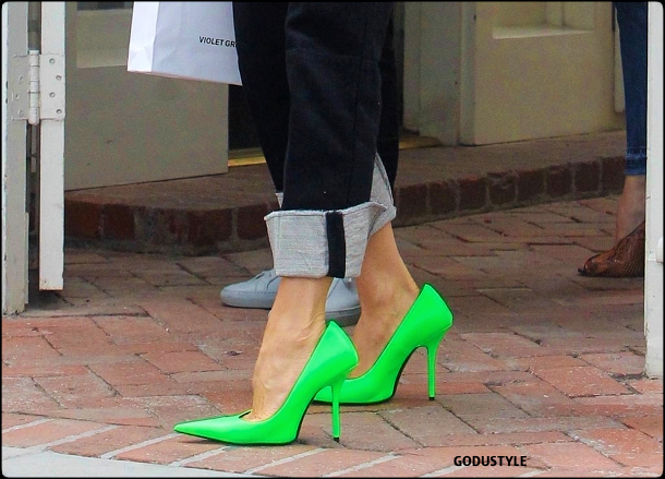 neon-green-color-fashion-accessories-trend-look-street-style-details-2021-2022-shopping-moda-godustyle