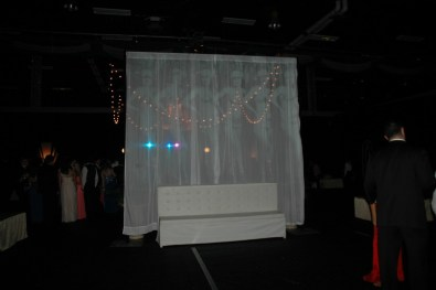 Beautiful Great Gatsby themed prom decorations