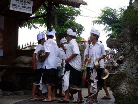 kids perform Gamelan during Galungan & Kuningan