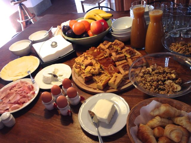 breakfast at Villa Pipistrelli