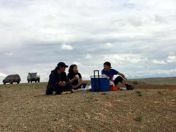picnic lunch in Gobi desert