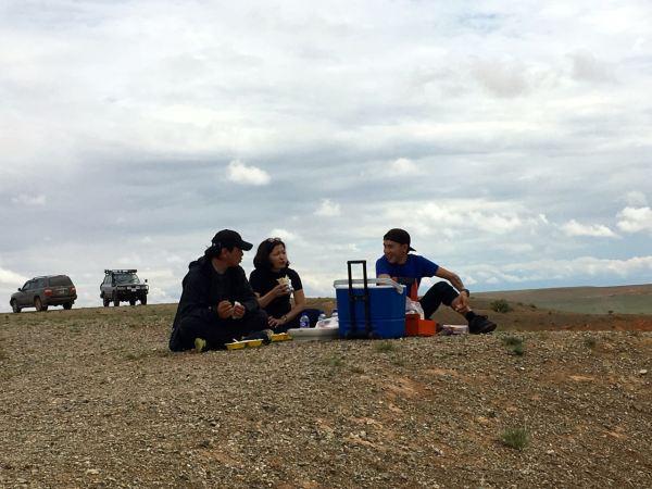 picnic lunch in Gobi desert