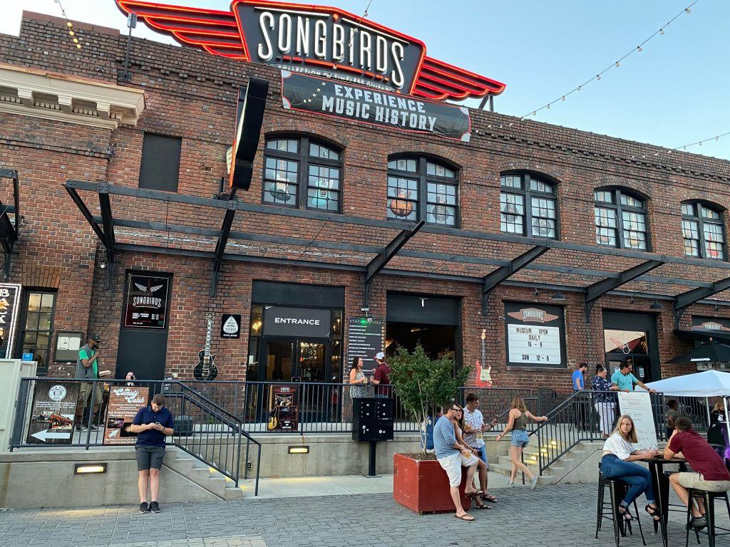 Songbirds Restaurant Exterior