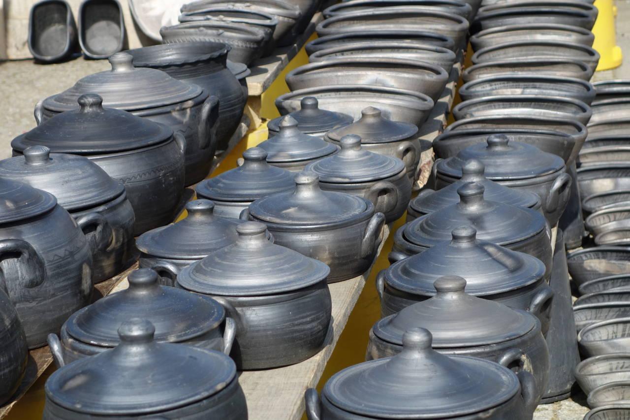 ビザリャンイスの黒陶器