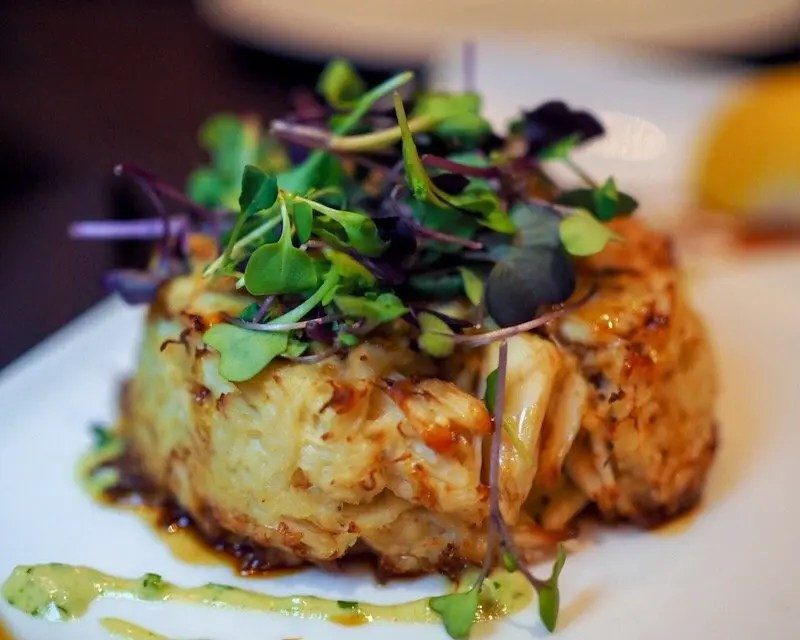 9 Reasons Foodies Love Rosen Shingle Creek Resort in Orlando Jumbo Lump Crab Cake