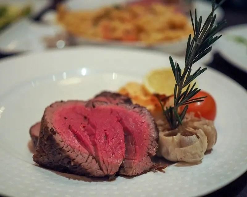 9 Reasons Foodies Love Rosen Shingle Creek Resort in Orlando tenderloin of beef