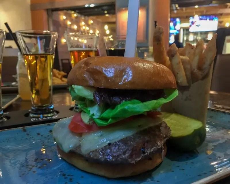 9 Reasons Foodies Love Rosen Shingle Creek Resort in Orlando Tobia's Burger