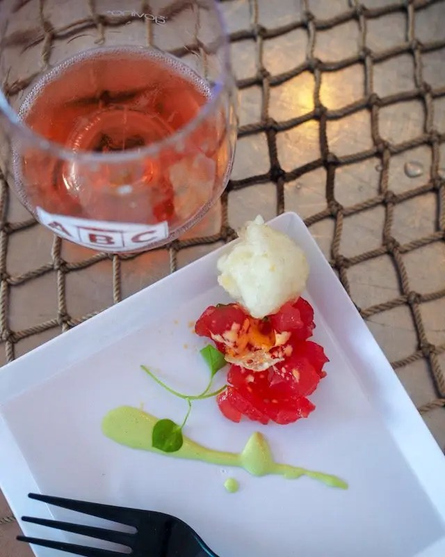 Photo recap why every Foodie Loves Cows N Cabs Event in Orlando. Todd English BluZoo Tuna Tartare