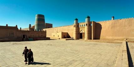Zitadelle Konya Ark in Xiva am frühen Morgen