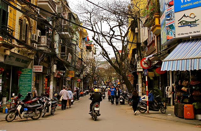 The Old Quarter is the name commonly given to that part of Hanoi that has been in existence since imperial times and which used to be located outside the Imperial Citadel of Thăng Long. (Hanoi Attractions)