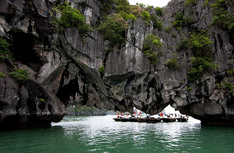 Luon Cave, Halong Bay, Vietnam