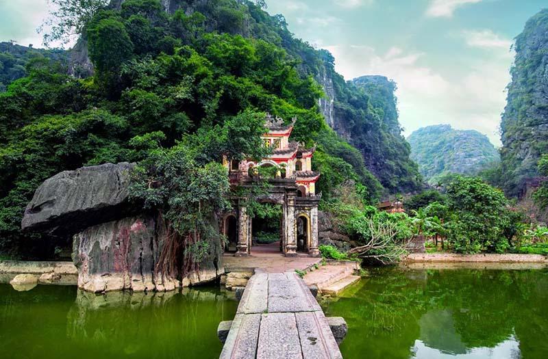 Tam Coc - Bich Dong pagoda, Ninh Binh, Vietnam